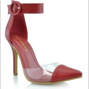 Shoes - Pointed toe red pump